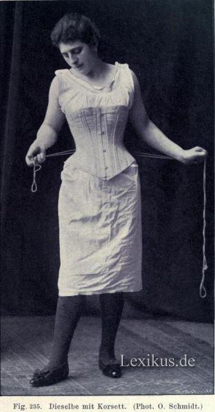 Die Massage der Brust für die Erhöhung der Brust